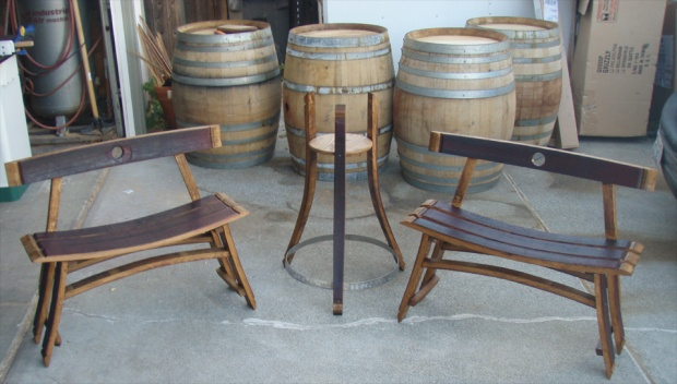 Amazing Click image for larger version Name: 2 bench-1 plNT ATnd.jpg Views wine barrel furniture plans