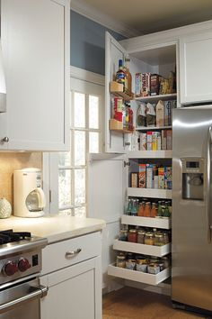 Amazing The 24 kitchen pantries for small kitchens