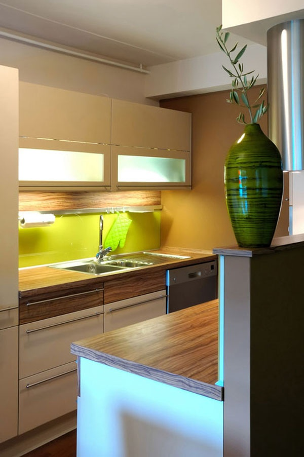 Awesome small modern kitchen design...but different colour splash back/maybe some  tiles modern small kitchen design ideas