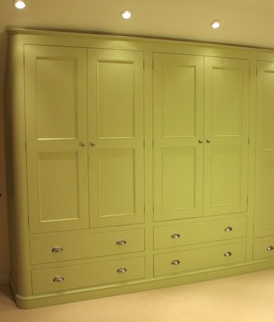 Best Wardrobes and Chest of Drawers bespoke free standing wardrobes
