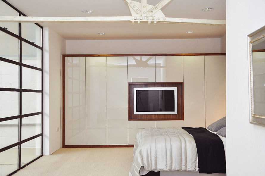 Chic Bespoke Fitted Bedrooms - Weybridge u0026 Leatherhead Surrey Showrooms - High  Gloss bespoke fitted bedroom furniture