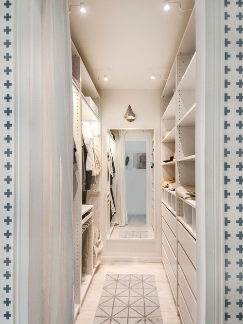 Stunning Small Walk In Closet Design Ideas Photos - Best idea home ...