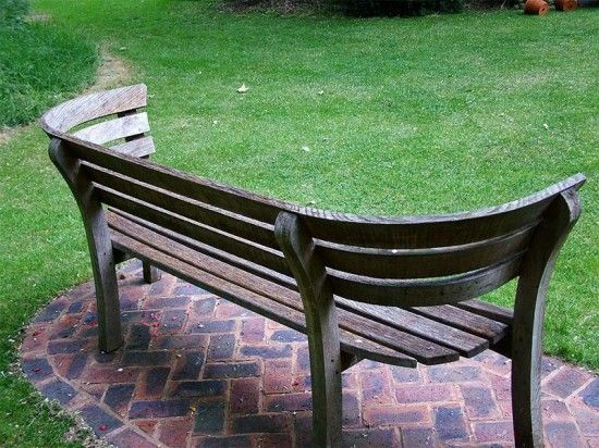 Chic Curves Wooden Garden Furniture Seat garden bench seat