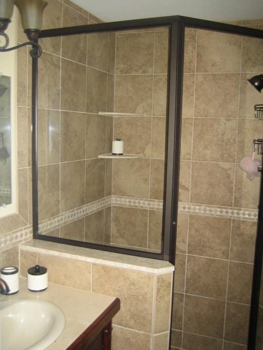Contemporary Bathroom Tile Ideas For Small Bathrooms | Bathroom Tile Designs 47 | Home bathroom tile design ideas for small bathrooms