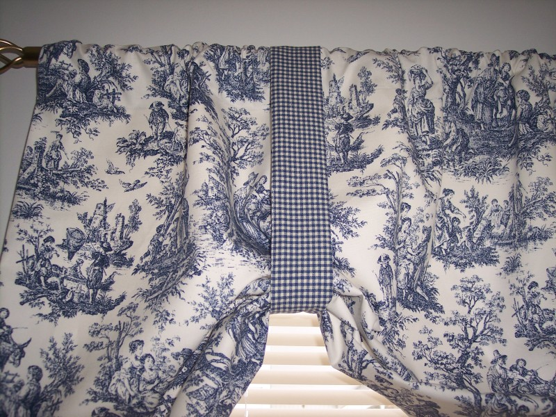Toile Curtains To Change The Look Of Your Home