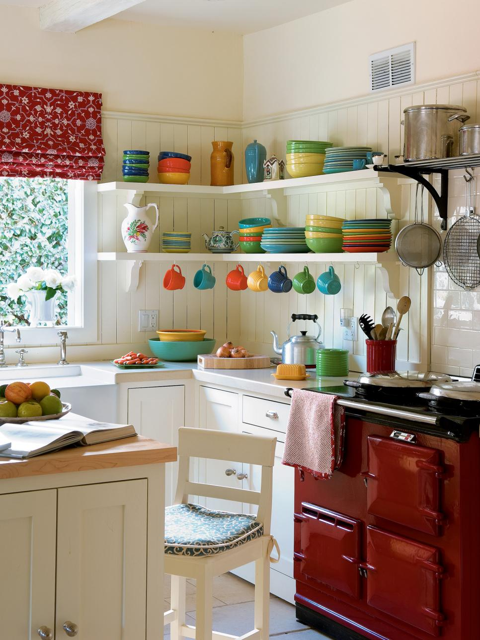 Cool Pictures of Small Kitchen Design Ideas From HGTV | HGTV kitchen designs for small kitchens