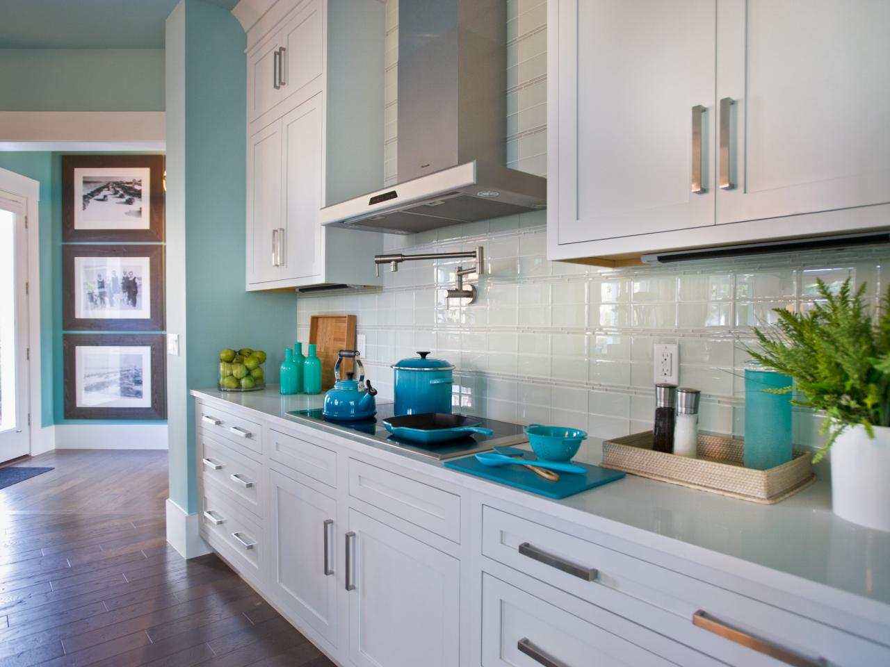 Cute Glass Tile Backsplash Ideas glass tile kitchen backsplash