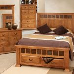 Advantages of buying oak bedroom furniture