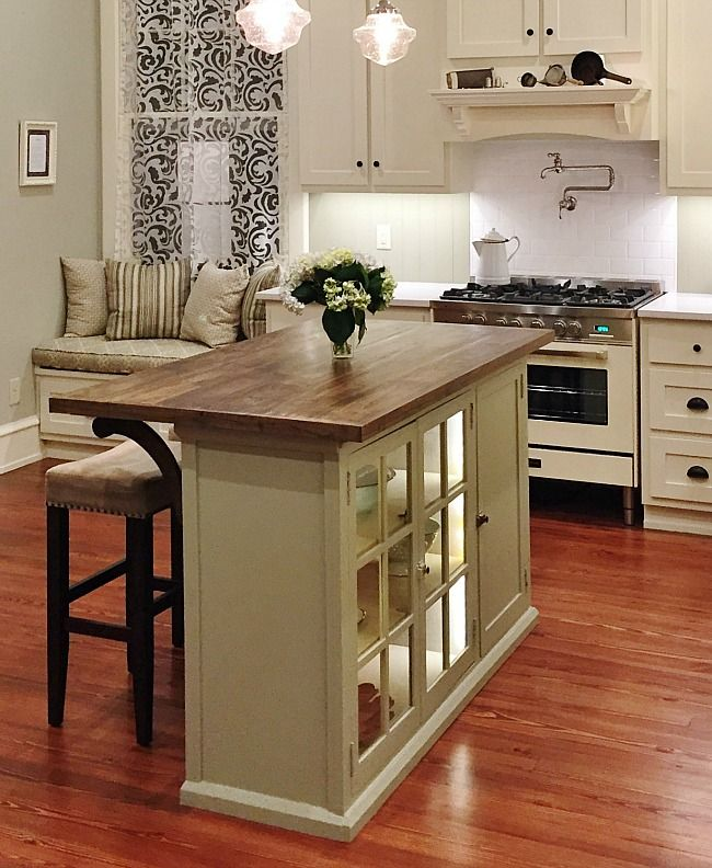 A small kitchen island for a petite cute home