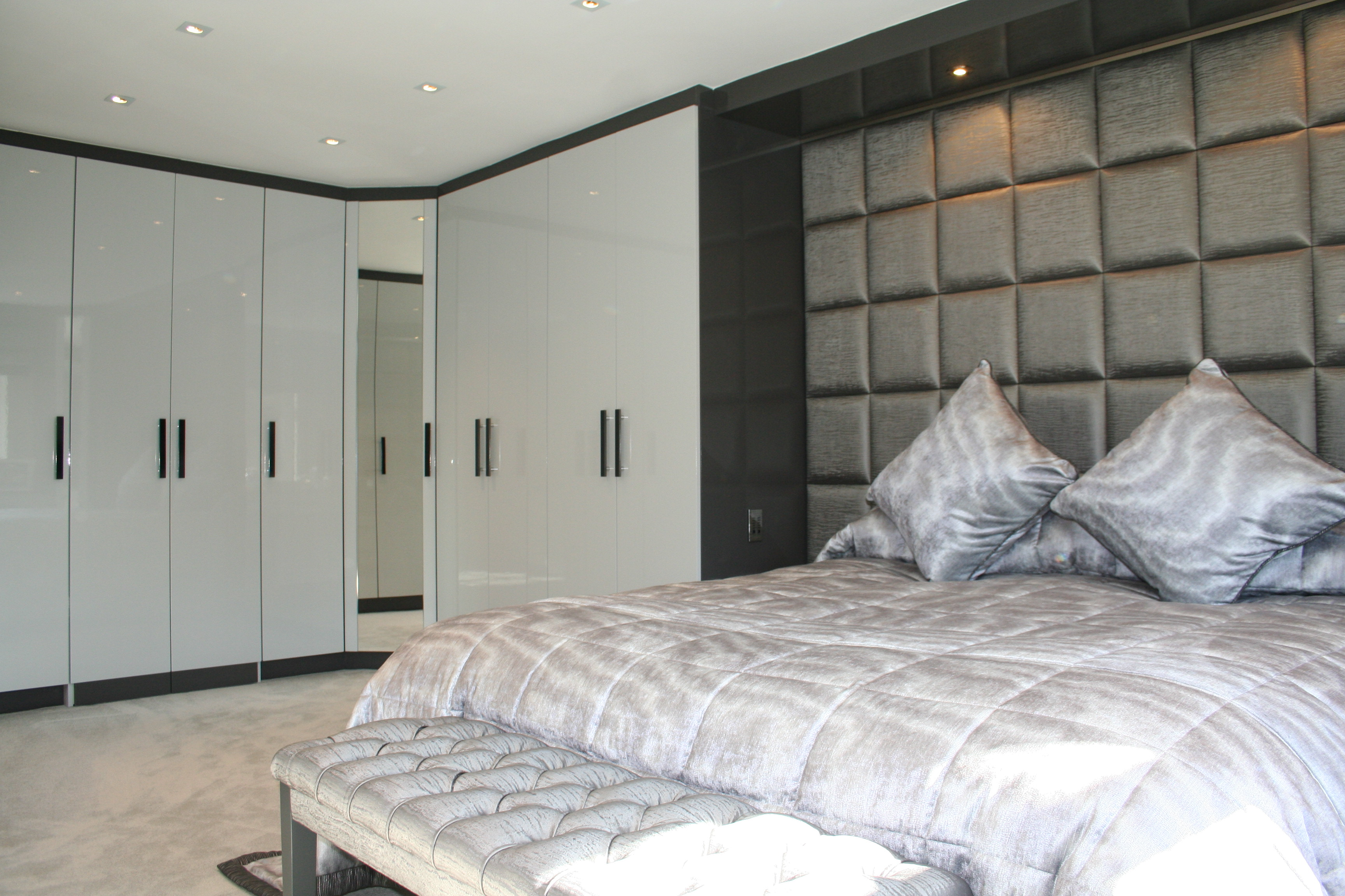 Luxury Master Bedroom High Gloss Fitted Wardobes | Complete Fitted Bedrooms complete fitted bedrooms
