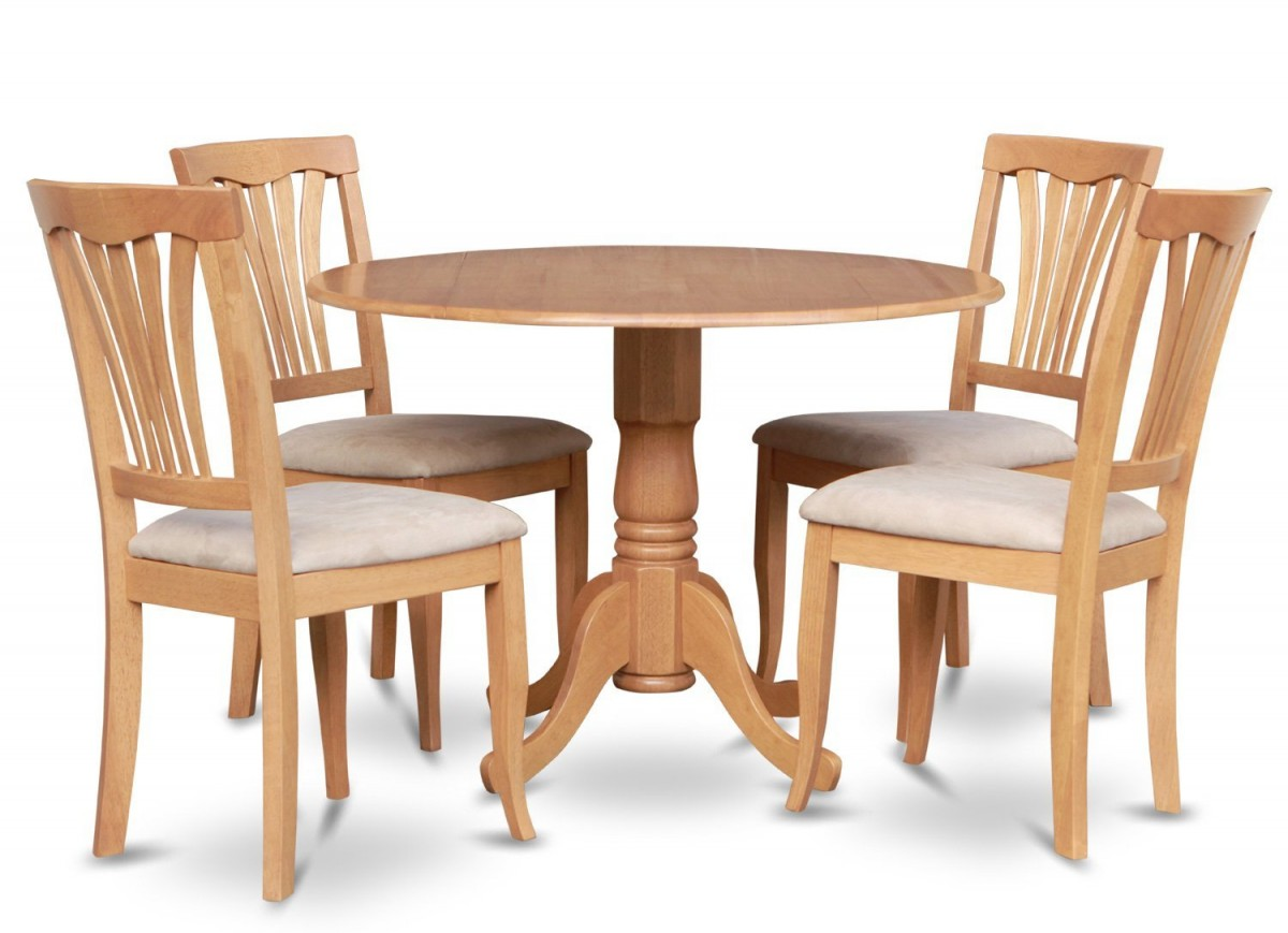 Comfy wood dining table and chairs for Wooden dining room chairs