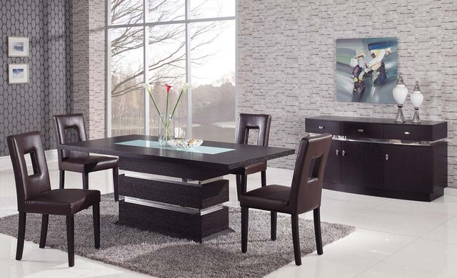 A luxurious dinner with modern dining table sets ...