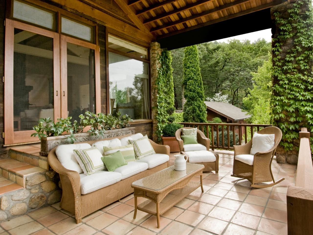 Luxury Under Foot: Outdoor Flooring Buyeru0027s Guide   DIY patio flooring options
