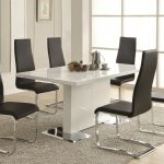 Get Hold Of Some Modern Dining Room Furniture