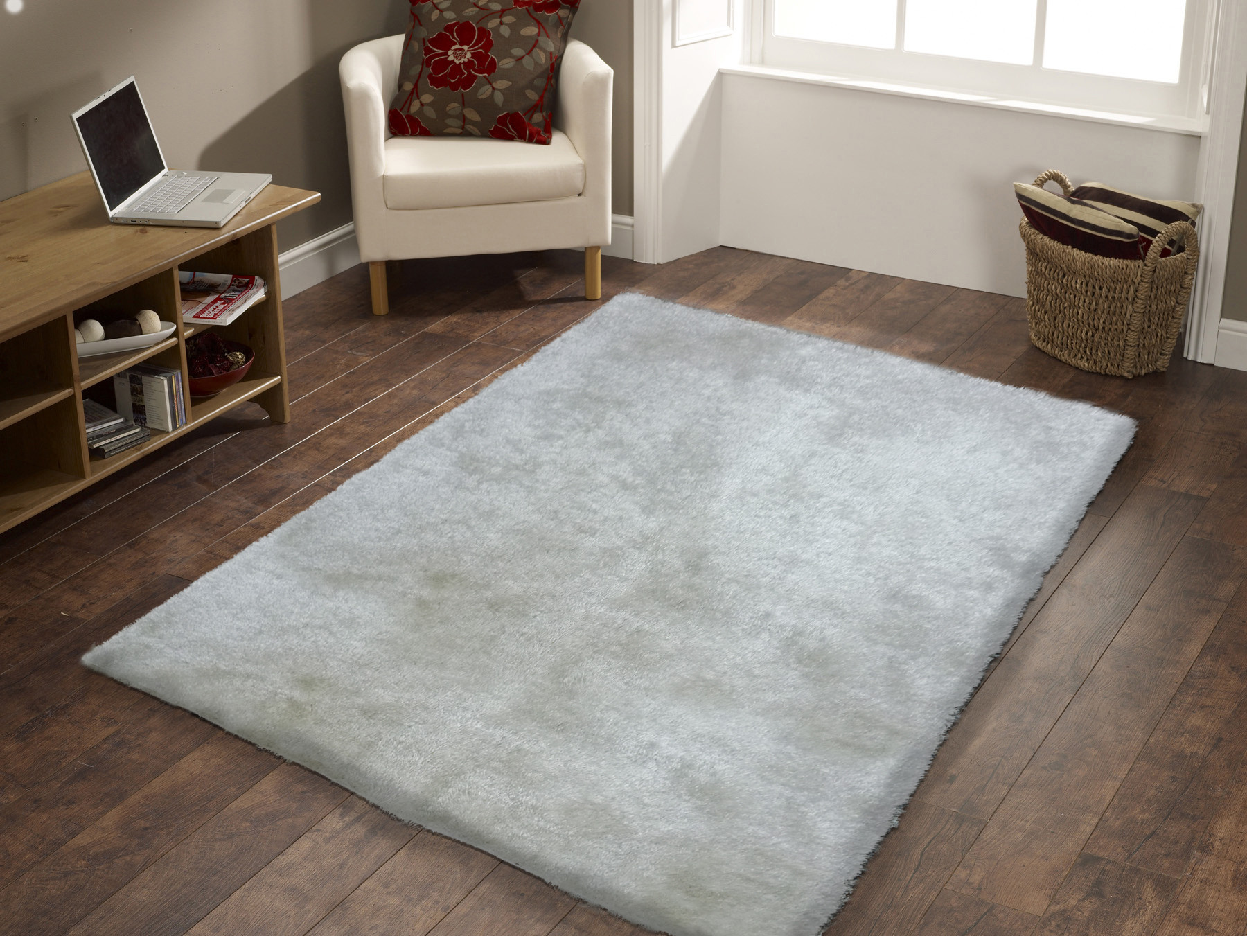 Pictures of Handmade White Solid Soft u0026 Fuzzy Shag Area Rug 5u0027 x 7u0027 ft. white shag area rug