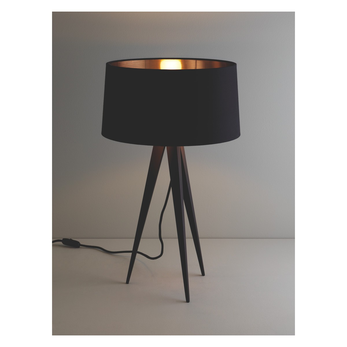 Pictures of ... YVES Black metal tripod table lamp base ... tripod table lamp