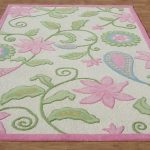 Giving a vibrant look to your flooring with pink area rug