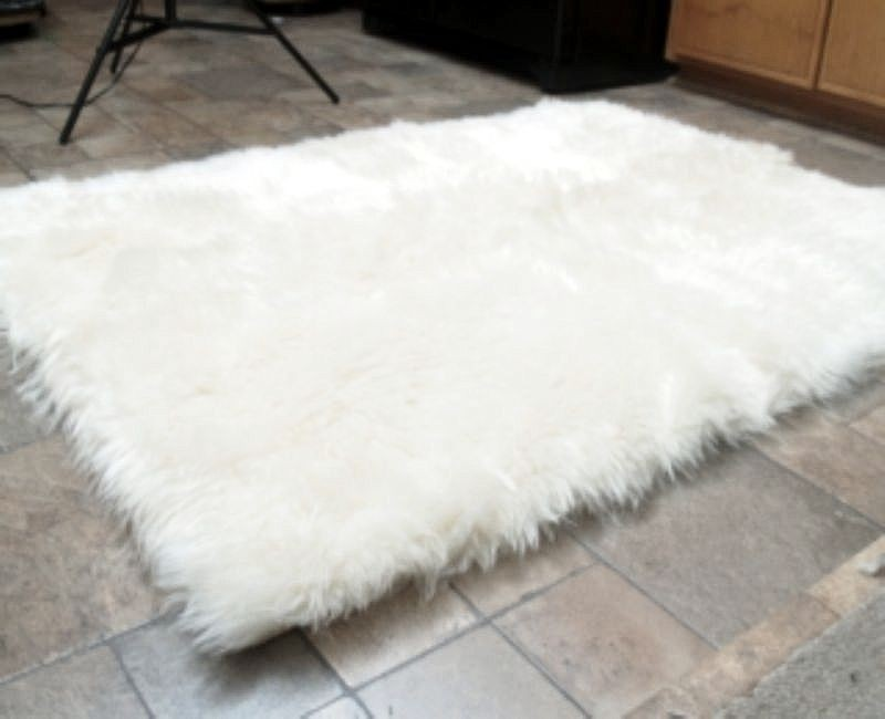 Popular Hollywood Love Rugs   Faux Fur Area Rug White, $49.00 (http:/