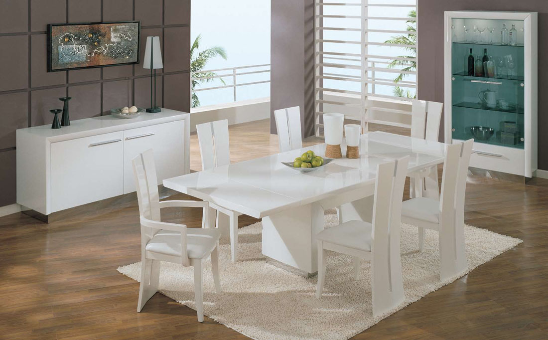 Popular Use White Dining Room Table And Chairs For Your Small Family Size white dining room table and chairs
