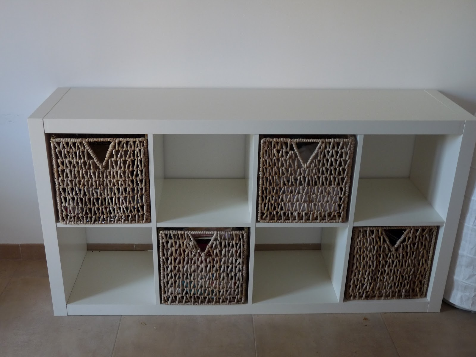 Charmant Stylish Captivating 6 Storage Organized Shelves With Cubical Wicker Storage  Baskets Decor Storage Baskets For Shelves