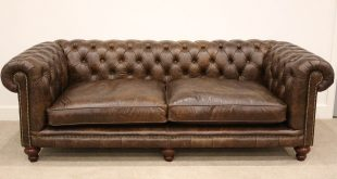 Awesome The traditional design of the chesterfield sofa is recognised worldwide and traditional chesterfield sofas