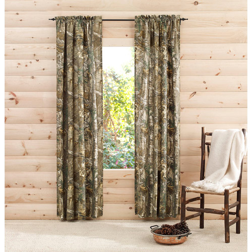 Camouflaging the bedroom with camo curtains