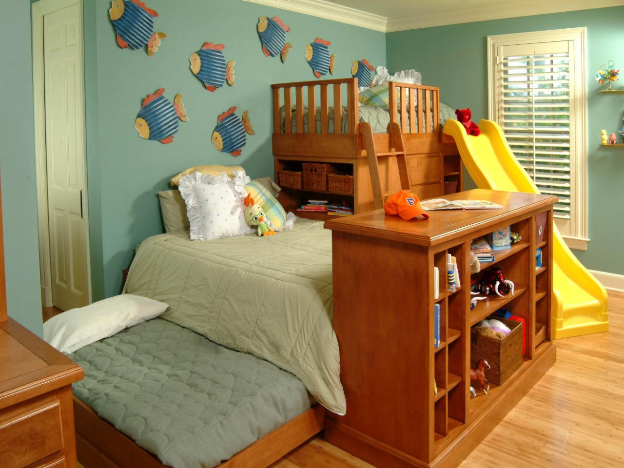 Wonderful Storage Ideas For Small Kids Bedrooms Part - 13: Unique Triple Play: Three Beds In The Space Of One Kids Room Storage