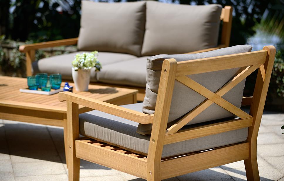 Awesome Maintaining wooden garden furniture wooden garden lounger
