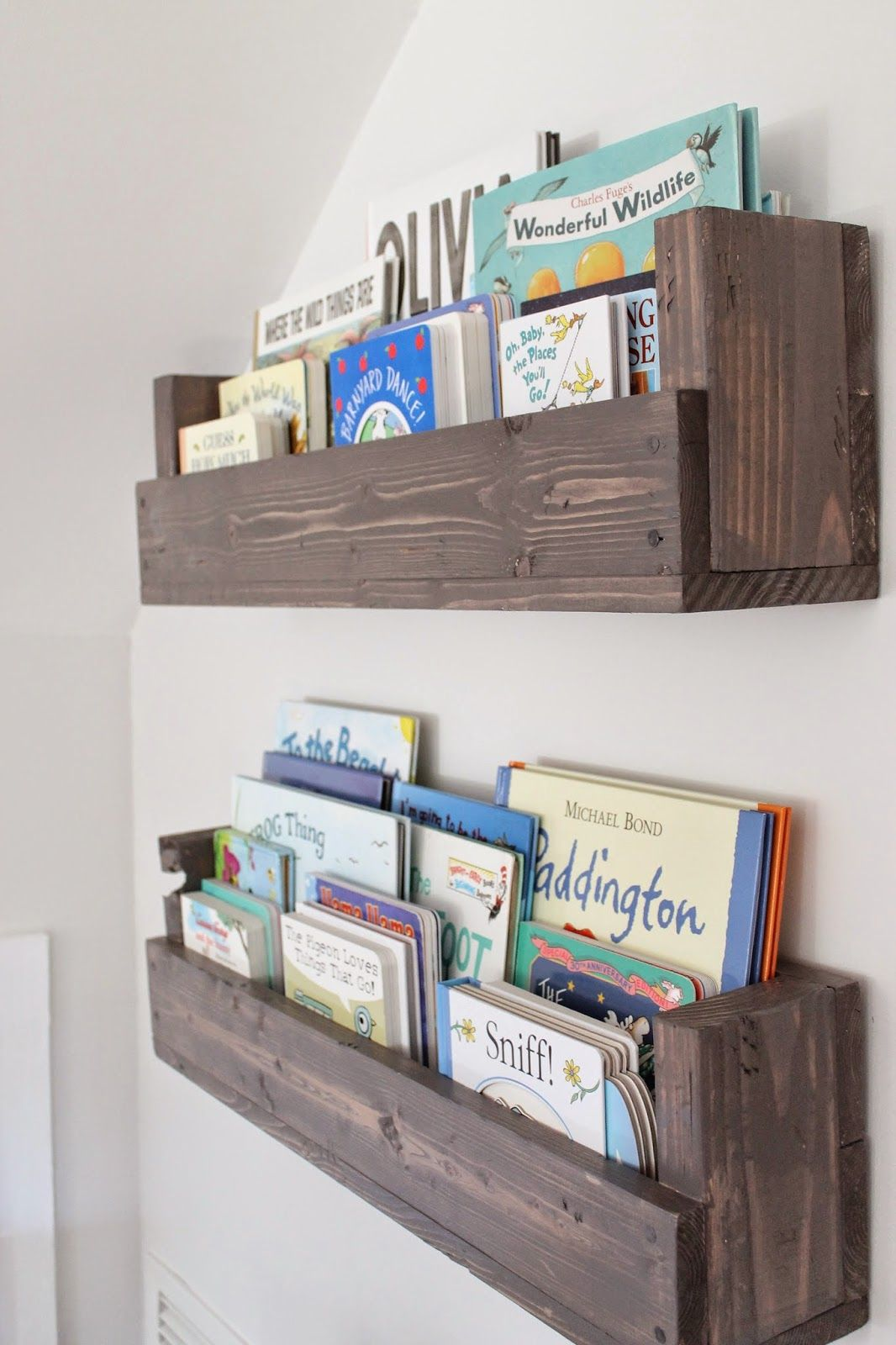 bookshelves for kids see how caitlin from the picket fence projects whipped up these IUVUYOH
