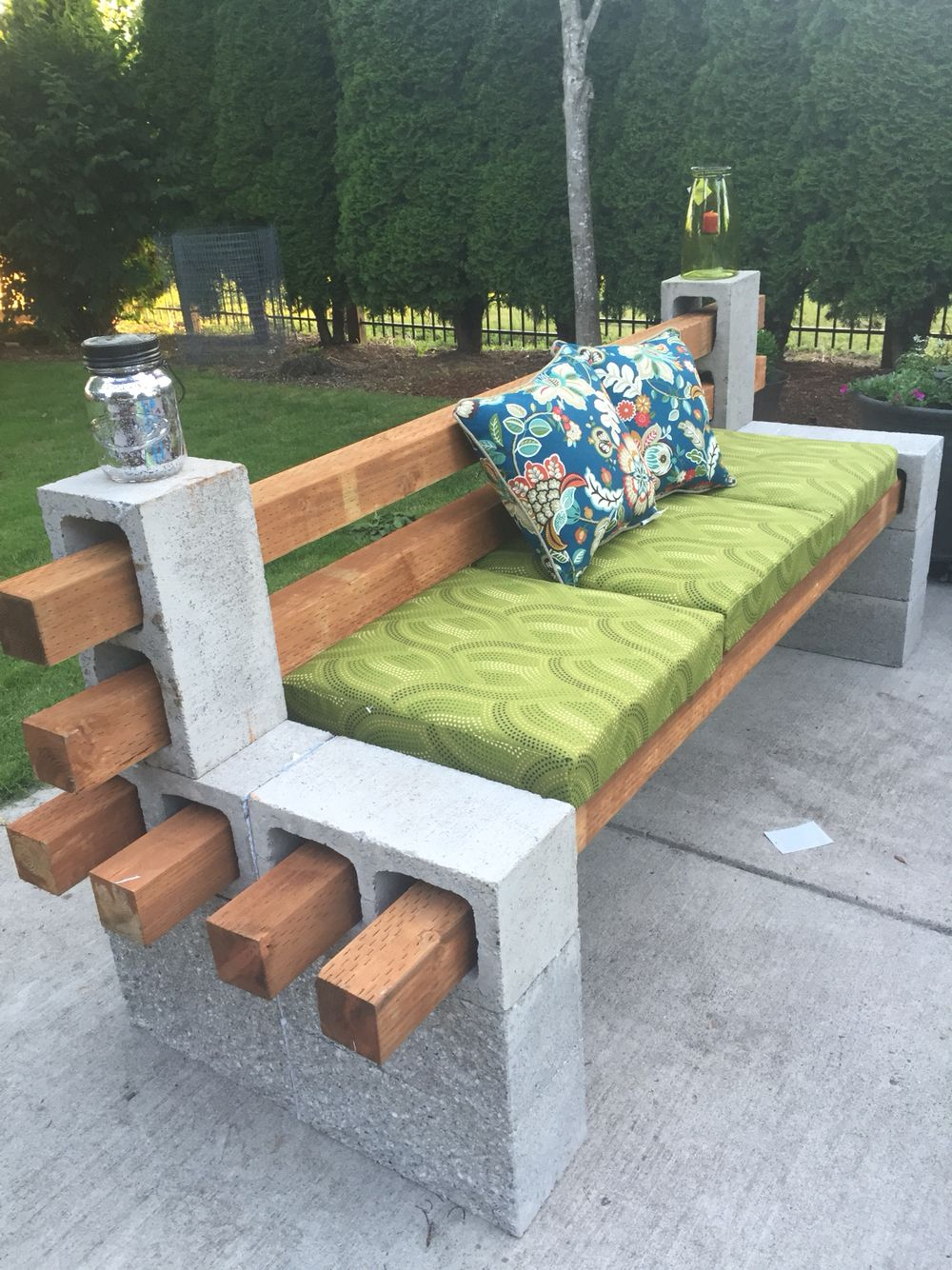 cinder block bench 13 diy patio furniture ideas that are simple and cheap ... VQEUADH