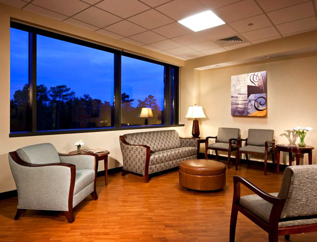 commercial interior design of moore regional hospital with fusion lounge PQDIAJG