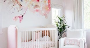 girl nursery ideas pink, floral and oh-so-dreamy wallpaper! take the full tour of the HVRYTNC