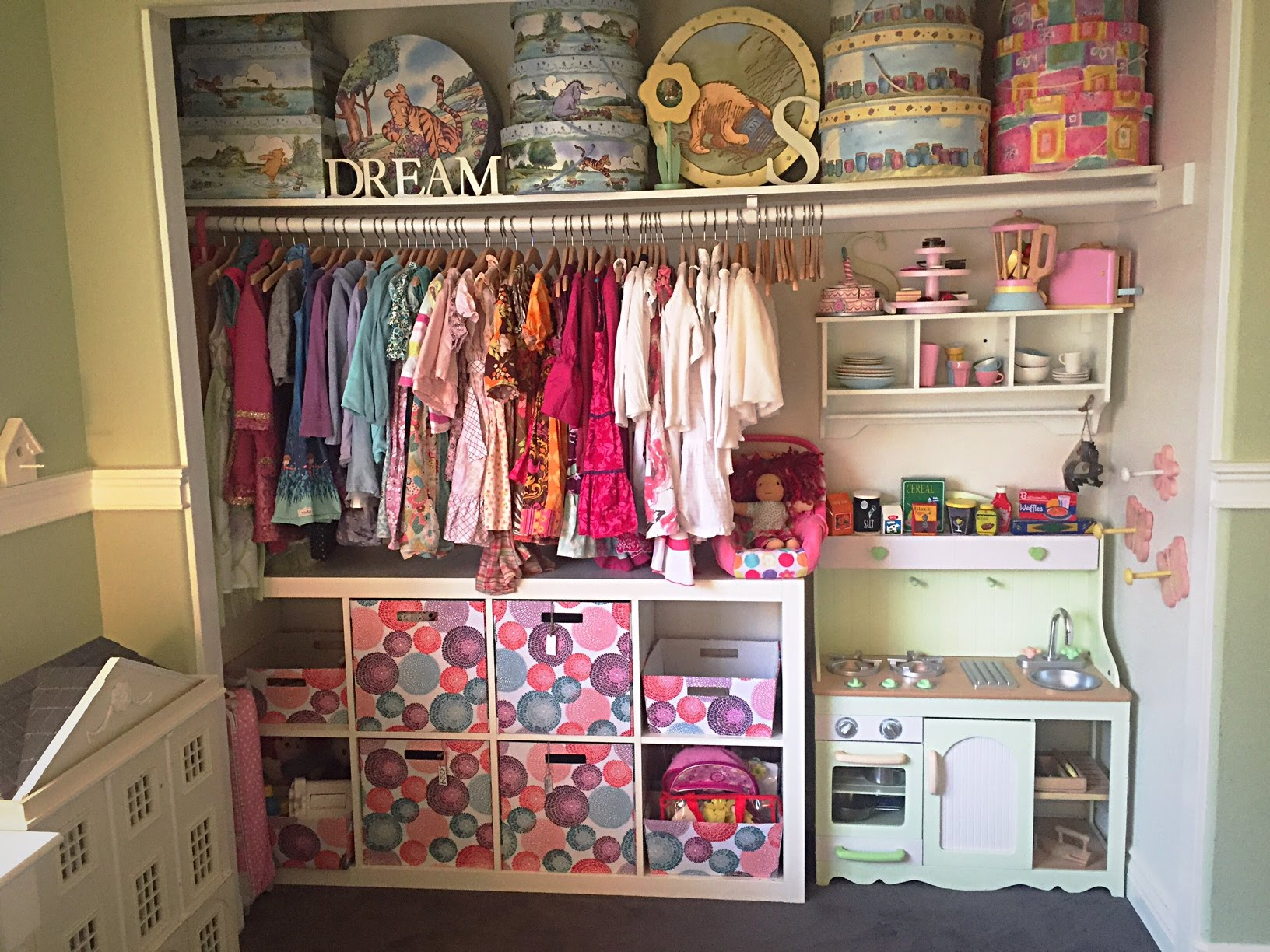 Choosing the kids closet