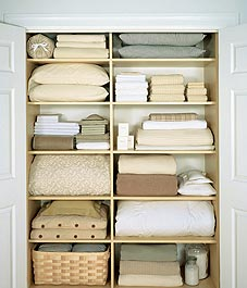 organizing 101: linen closets | style at home VMCZFPB