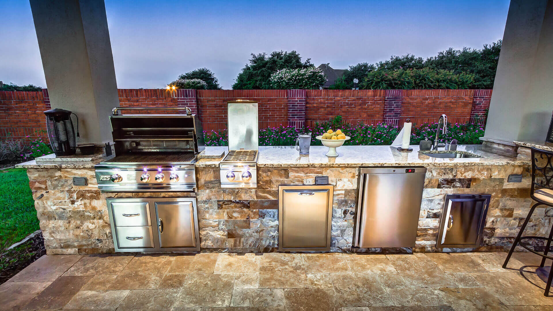 outdoor kitchens exceptional design options CLWMCLY