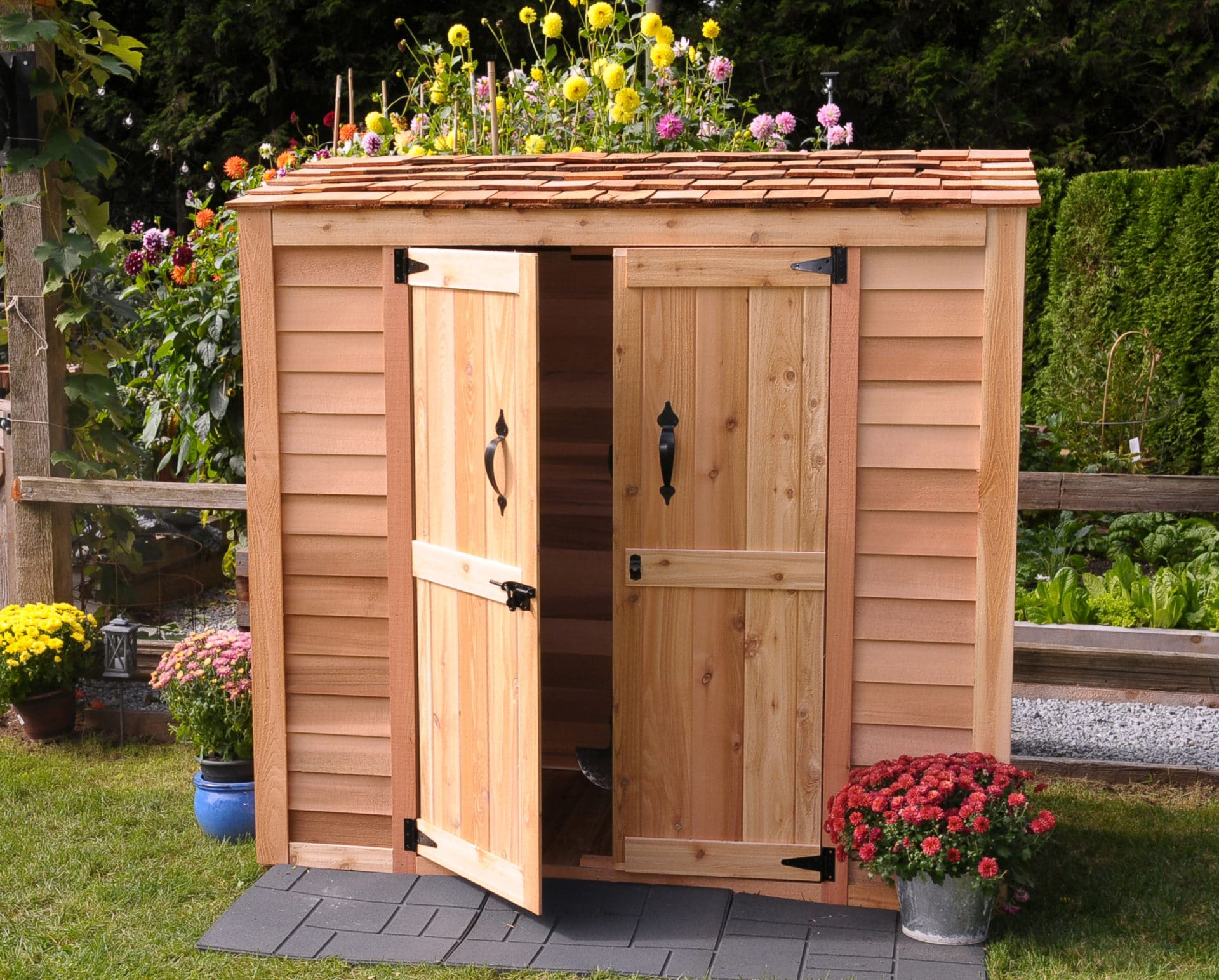How to place an outdoor storage shed in your garden ?