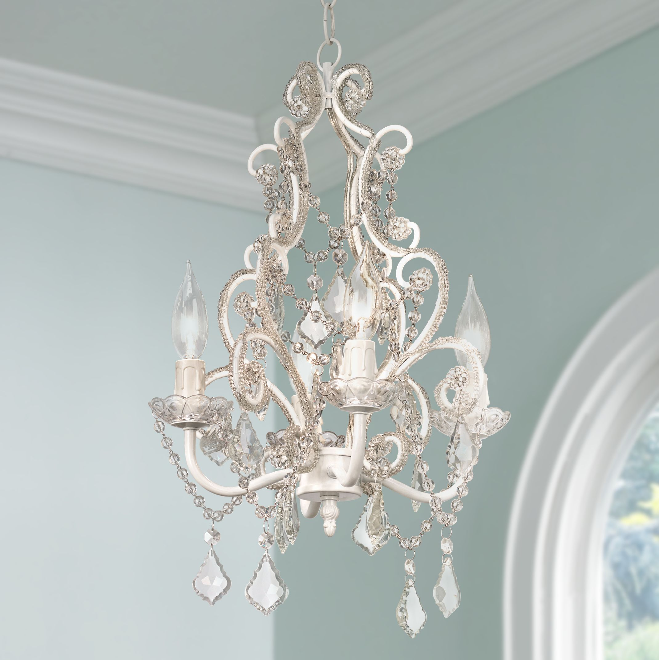 Plug In Chandelier For Exclusive Home Decor