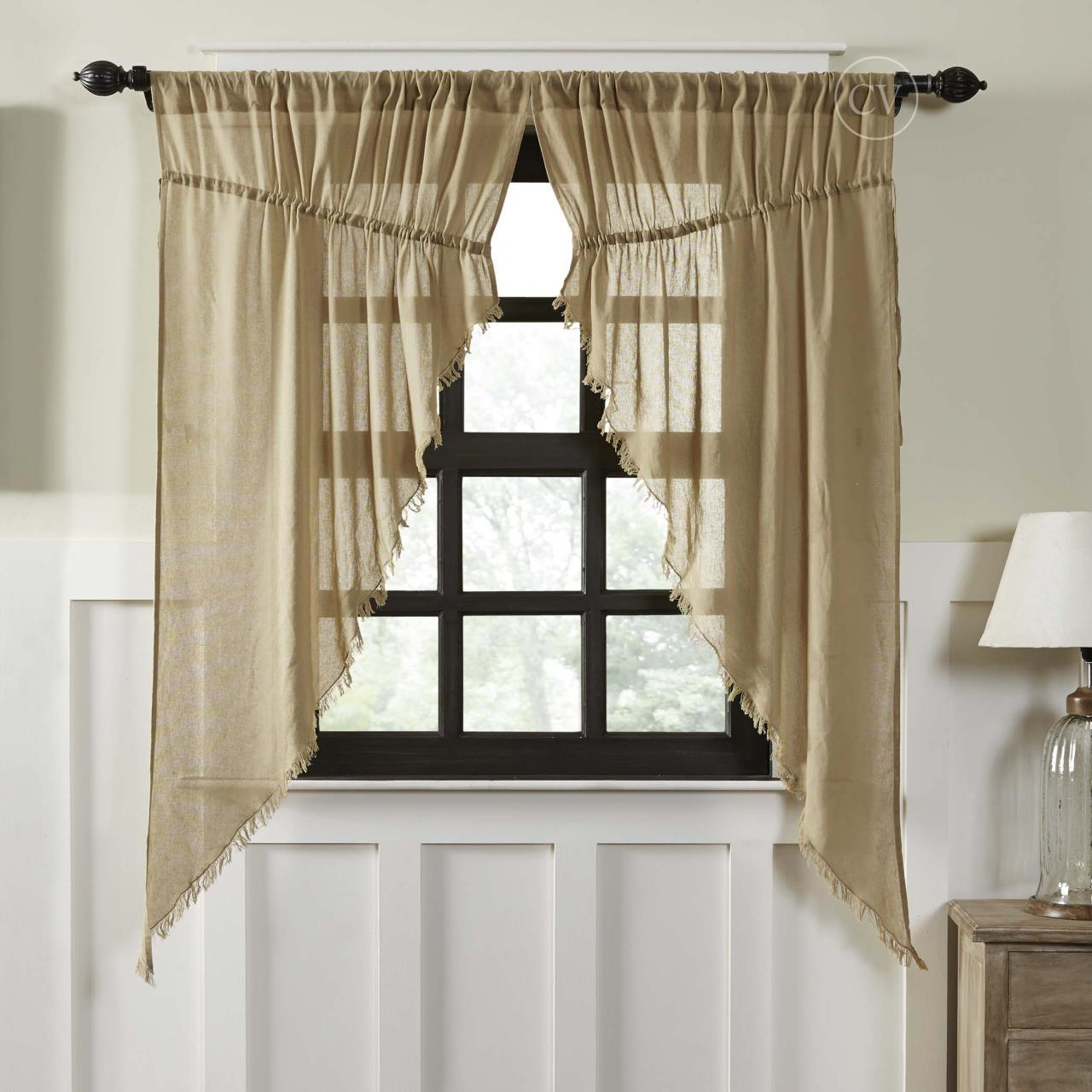 Primitive Curtains for Warm and Friendly Effects in the Home Interior