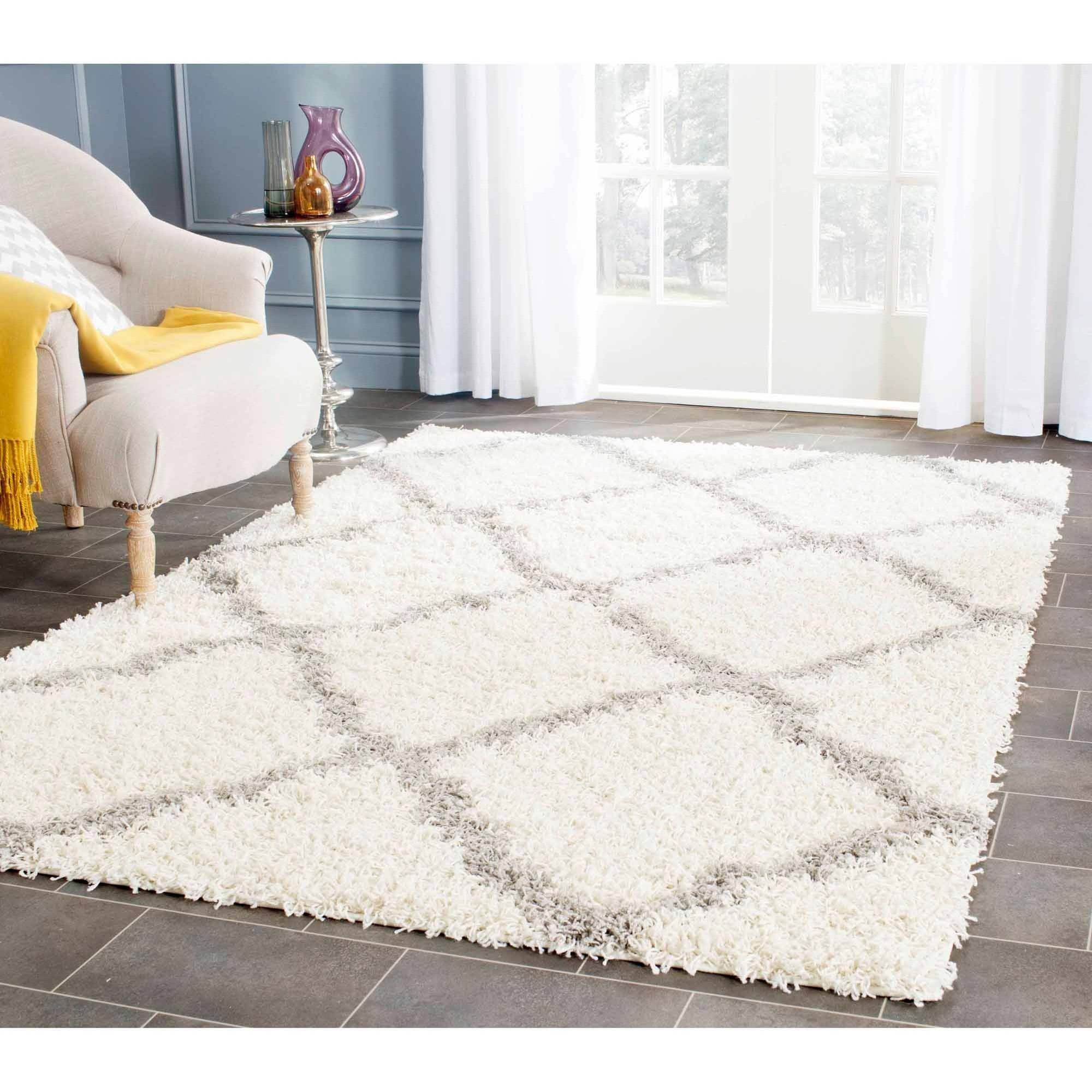 Elaborate your house spaces by filling some shag area rugs