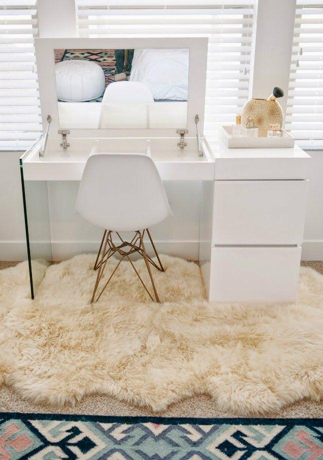vanity desk 21 vanity tables beauty junkies will love via brit + co SCIIDJS