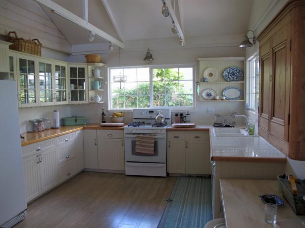 vintage kitchen ci-melissa-newirth_coastal-design-kitchen_s4x3 NTORPGP