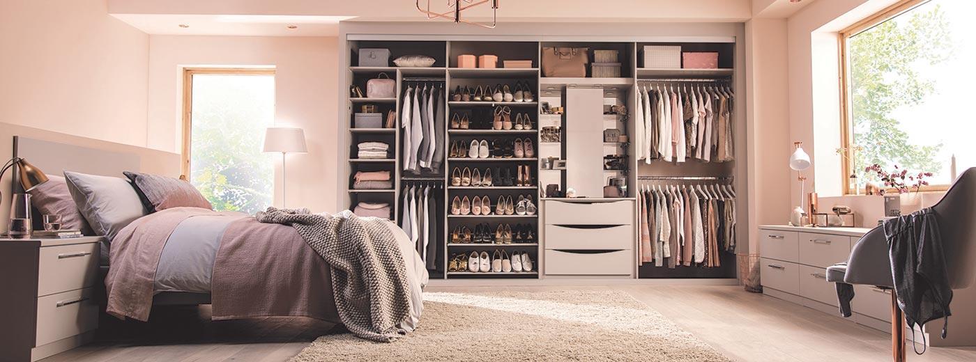 wardrobe interiors storage solutions hero NNOREBZ