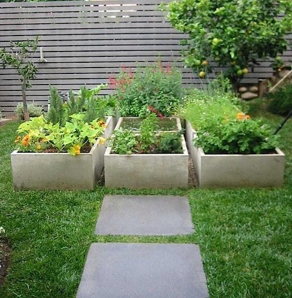 Landscape Design: 10 Gardens Transformed by Raised Beds - Gardenista