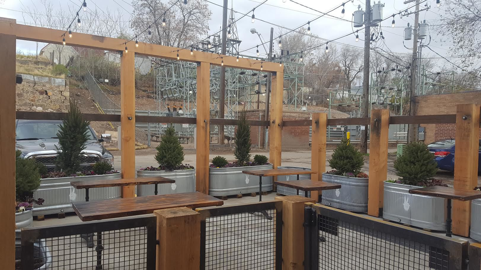 17 restaurants, bars with outdoor seating in Ogden, Layton, Farmington, more