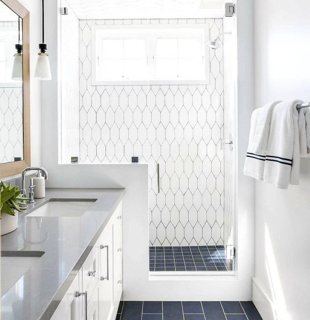 Beautiful Modern Master Bathroom Design Ideas 18
