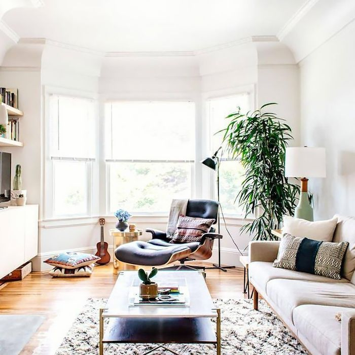 Shhh—This Is Where Interior Designers Find the Best Décor