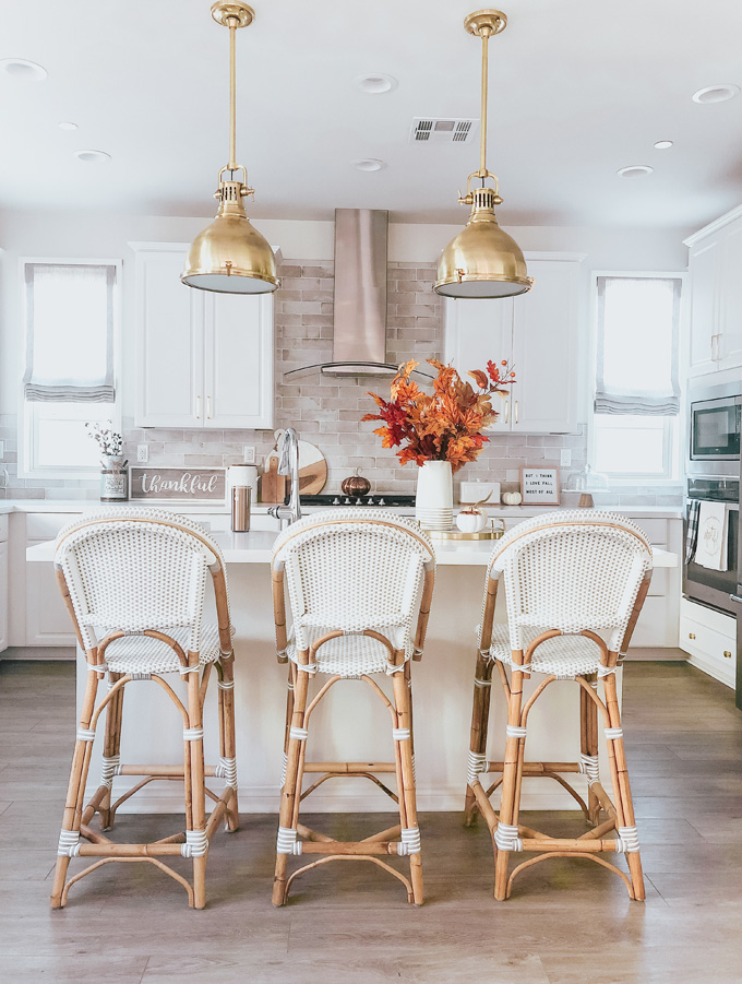 How to Pick the Best Pendant Lights for Your Kitchen!