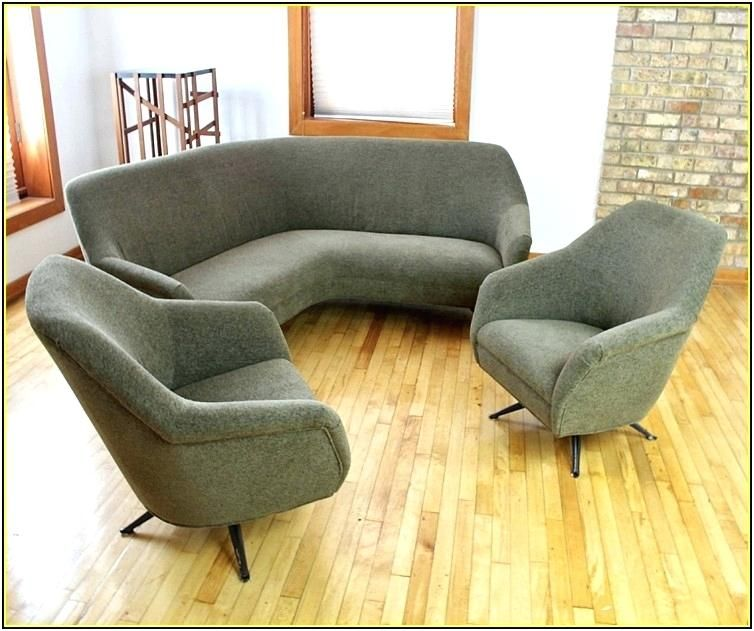 Benefits of using curved sofas for small   spaces