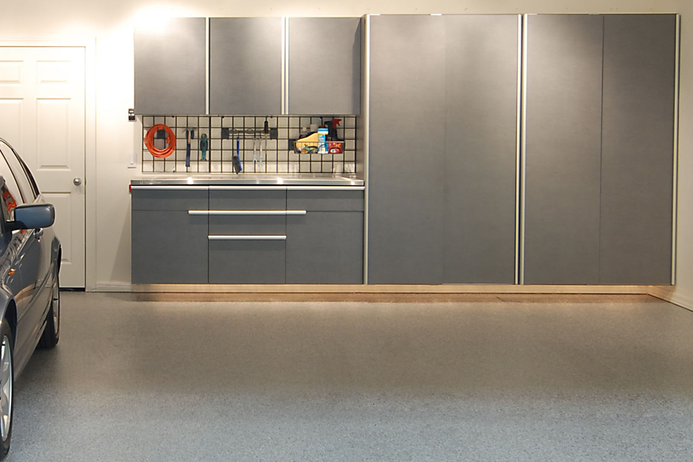 Upper and Lower Cabinets Maximize Every Inch of Available Space