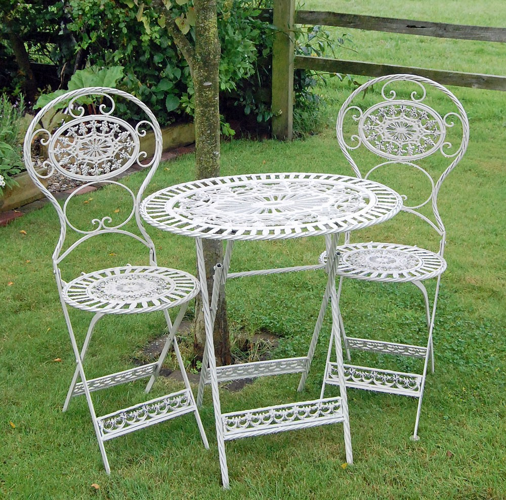 The new idea of recreating Garden tables and chair